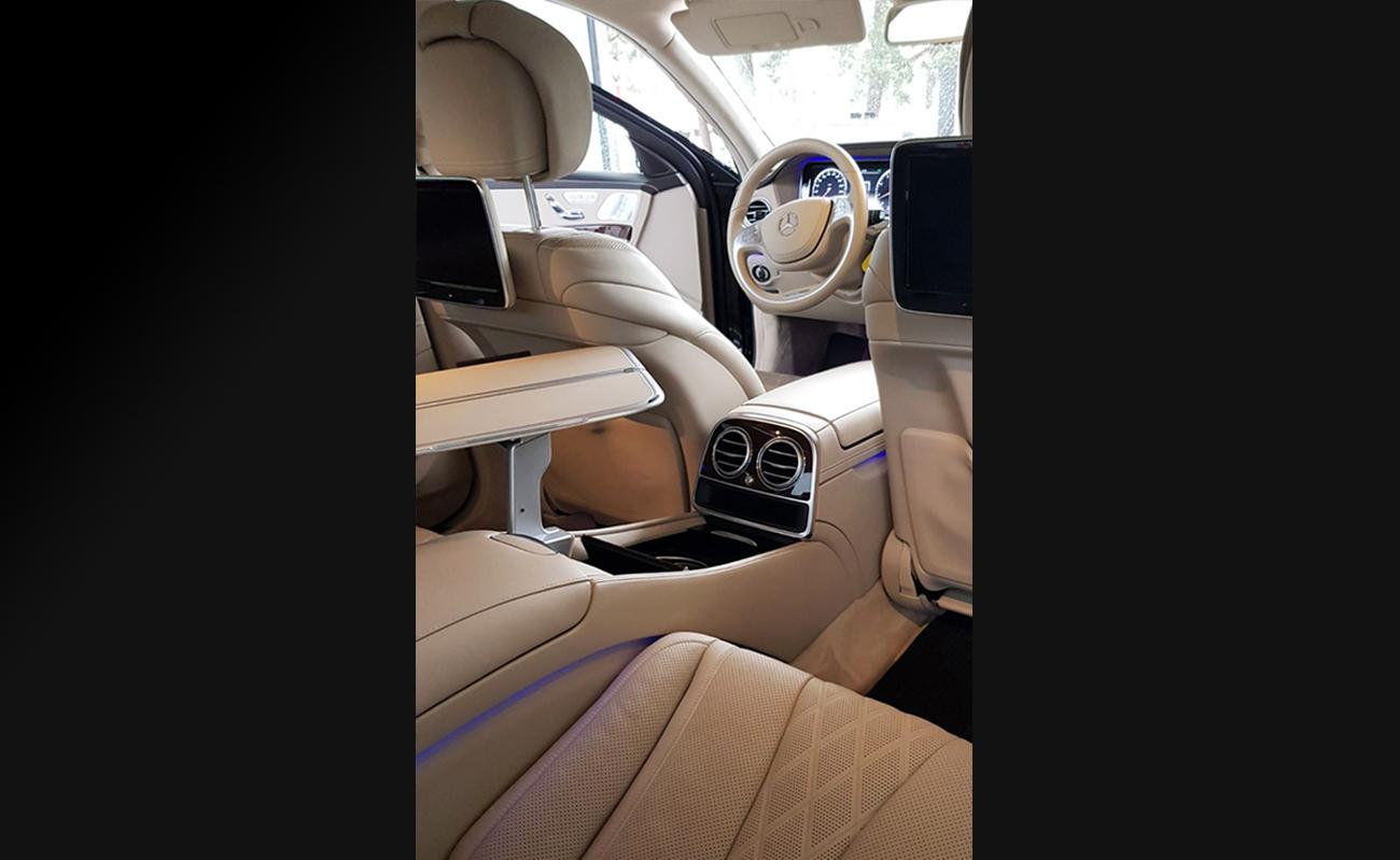 Mercedes_Sprinter_Limousine_Service_Zurich_mit_Fahrer_Kleinbus_mit_Chauffuer_50