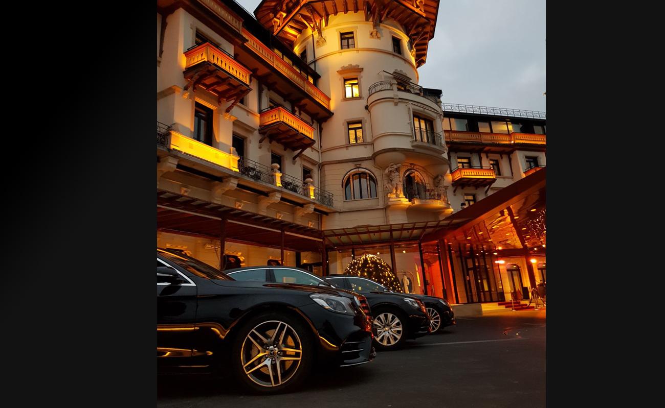 Mercedes_Sprinter_Limousine_Service_Zurich_mit_Fahrer_Kleinbus_mit_Chauffuer_52