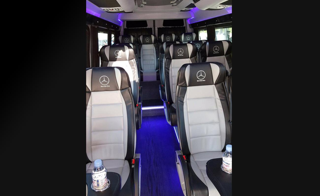 Mercedes_Sprinter_Limousine_Service_Zurich_mit_Fahrer_Kleinbus_mit_Chauffuer_53